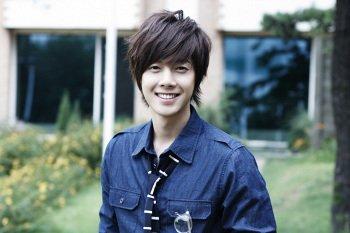 img 5a35bad0ac7ad.png?resize=1200,630 - 恋愛話から入隊話まで!韓国の歌手・俳優「ss501リダ」ってどんな人?