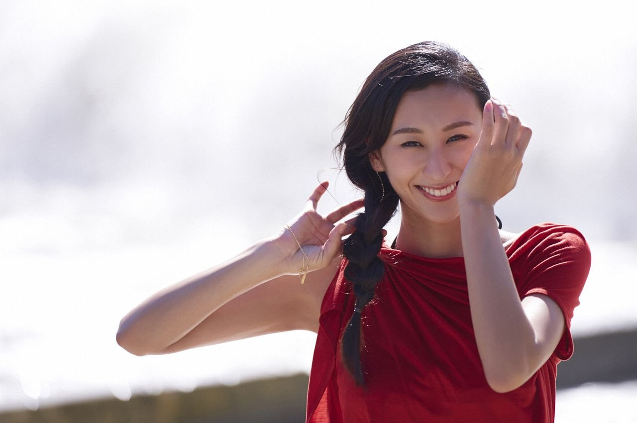 img 5a3fbf4503e49.png?resize=1200,630 - 元フィギュアスケーターのグラビアで世間が驚愕!浅田舞の美巨乳カップ数は?