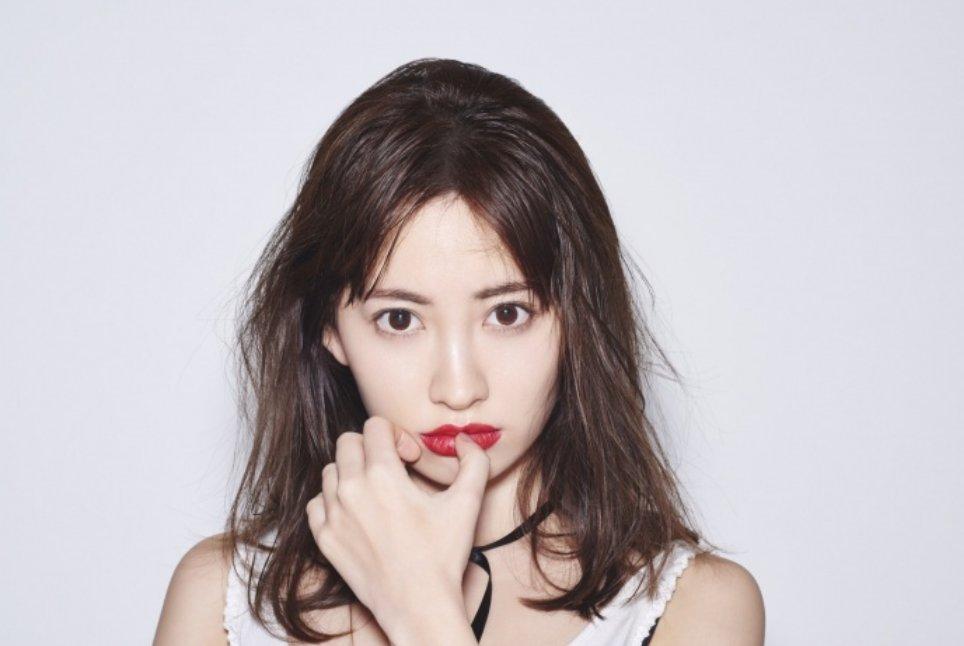 img 5a43432278fbc.png?resize=1200,630 - 元AKB48のメンバー小嶋陽菜のプロフィール