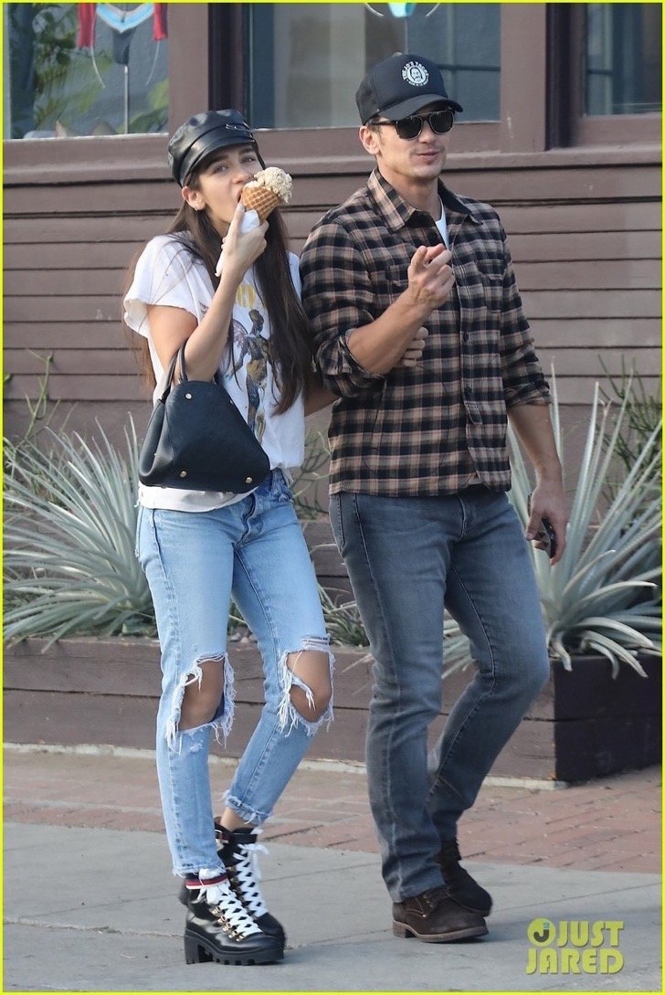 james-franco-girlfriend-isabel-pakzad-share-a-kiss-ice-cream-01