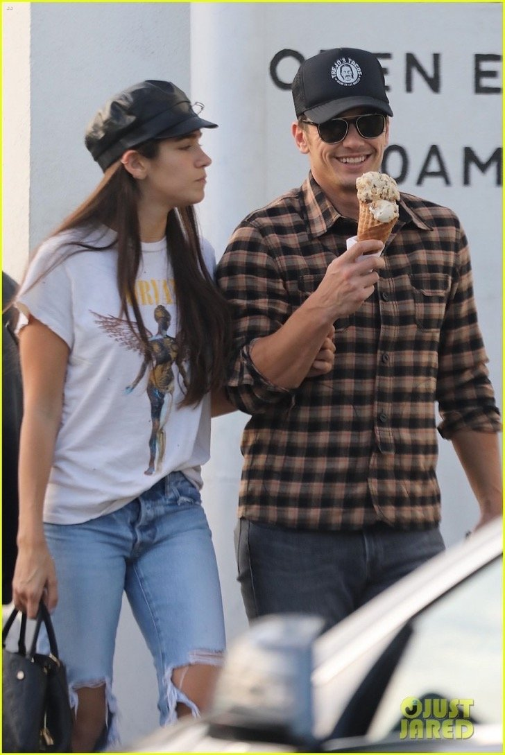 james-franco-girlfriend-isabel-pakzad-share-a-kiss-ice-cream-05