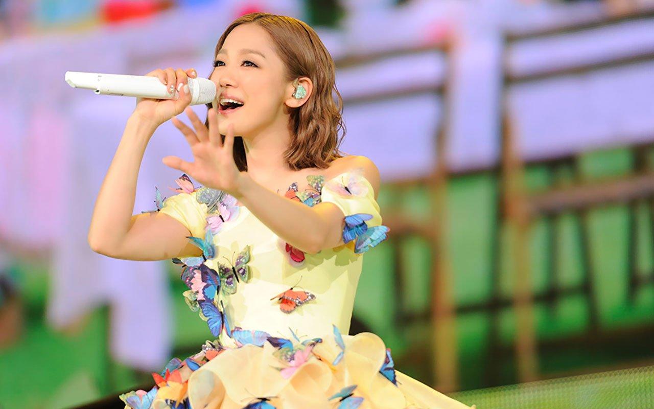 kyosera nishino 01 - 西野カナの歌詞に共感を得る女性が多い