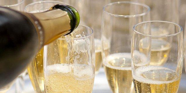 「シャンパン 乾杯」の画像検索結果
