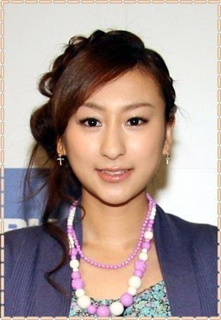 mai asada the older sister of mao asada the winter olympic medalist c72d807f981af7b079372c7a1ca460e6.jpg?resize=1200,630 - 冬季五輪メダリストの浅田真央の姉の浅田舞、その特徴的な鼻が話題になっています