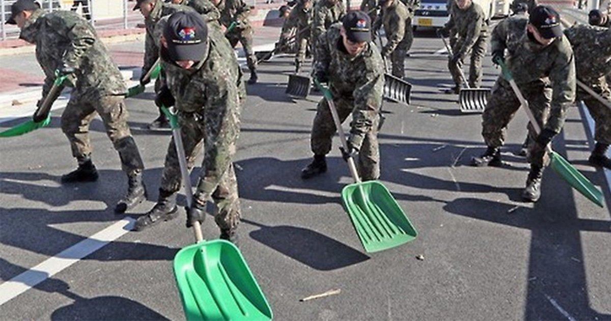 main3 1.jpg?resize=1200,630 - 평찰 올림픽을 위해서 맨땅에 제설훈련 하는 군인들