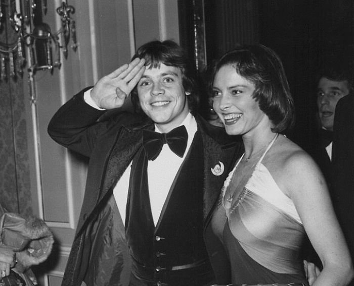 mark hamill marilou york wedding anniversary photos 5a38d31ed929f  700 - Mark Hamill, Luke Skywalker of The Star Wars, Proved Everyone His Love With His Wife Never Changed