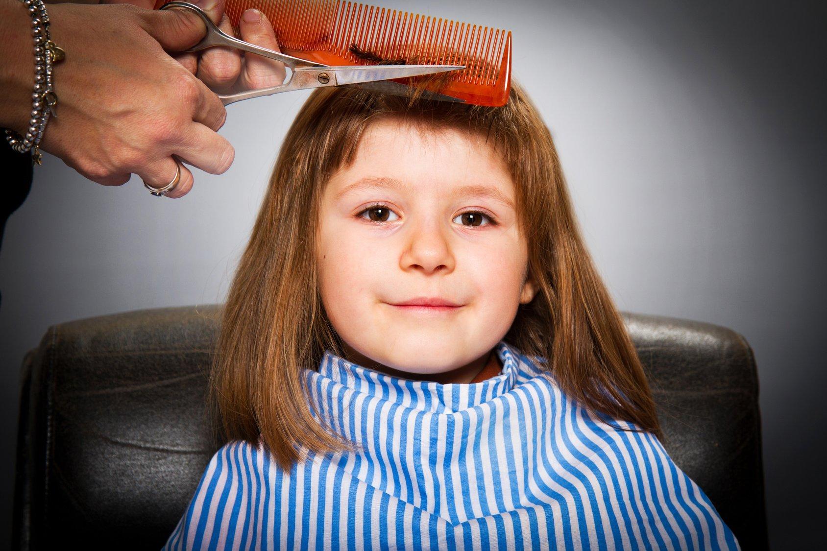 Image result for 子どもの髪の毛を切る