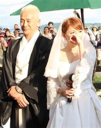 noriko koji mature marriage ent11071906450001 p5 thumbnail2 - 熟年婚の理想像となった青田典子さんと玉置浩二さん