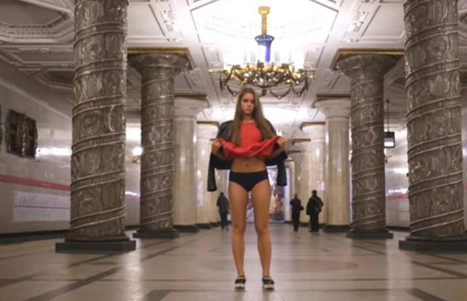 More than 1.4 million people have watched the clip of Anna flashing