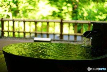 毎日の仕事や家事、人間関係でお疲れではありませんか? 日本には名湯がたくさんあり、古くから人々を癒してきました。今回は、都内から片道2時間半以内の場所にある、おすすめの日帰り温泉が楽しめる温泉宿をご紹介しましょう。日常の喧騒を忘れ、気分転換すれば、明日からまた頑張れること間違いありません。