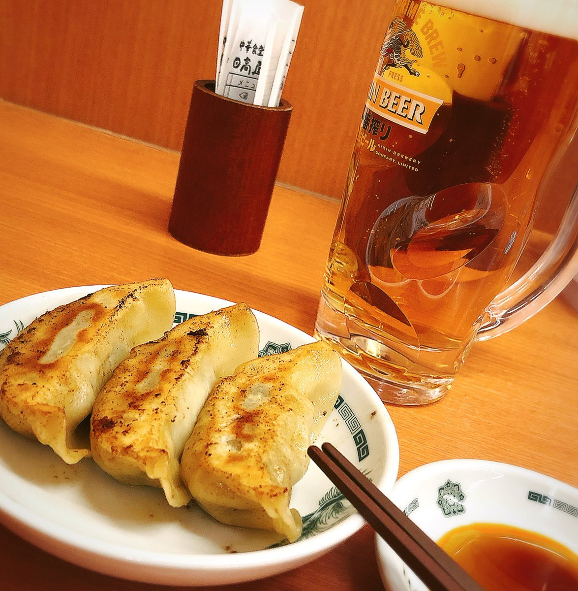 Image result for 日高屋 ビール 餃子3つ