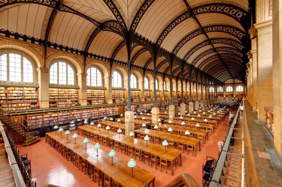 sainte genevieve paris.jpg?resize=1200,630 - 10 bibliothèques incroyables dans le monde