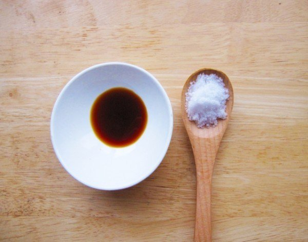 soy sauce that is indispensable for both cooking and dining i spend quite a lot of it afdcfd6c3e6852975f4780ab3a1d6a0c s - 料理にも食卓にも欠かせない醤油。結構使うけどどれくらいが致死量なの?