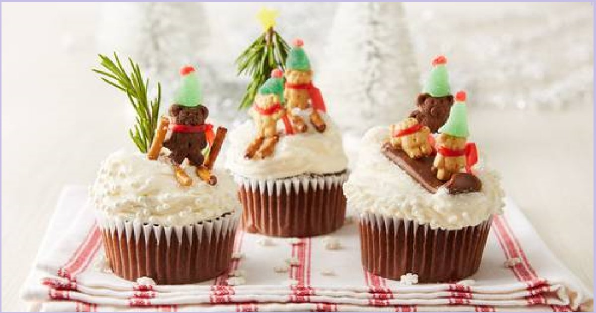 thumb nail christmas cup cakes - 30+ Creative Christmas Cup Cakes That Will Make You Salivate