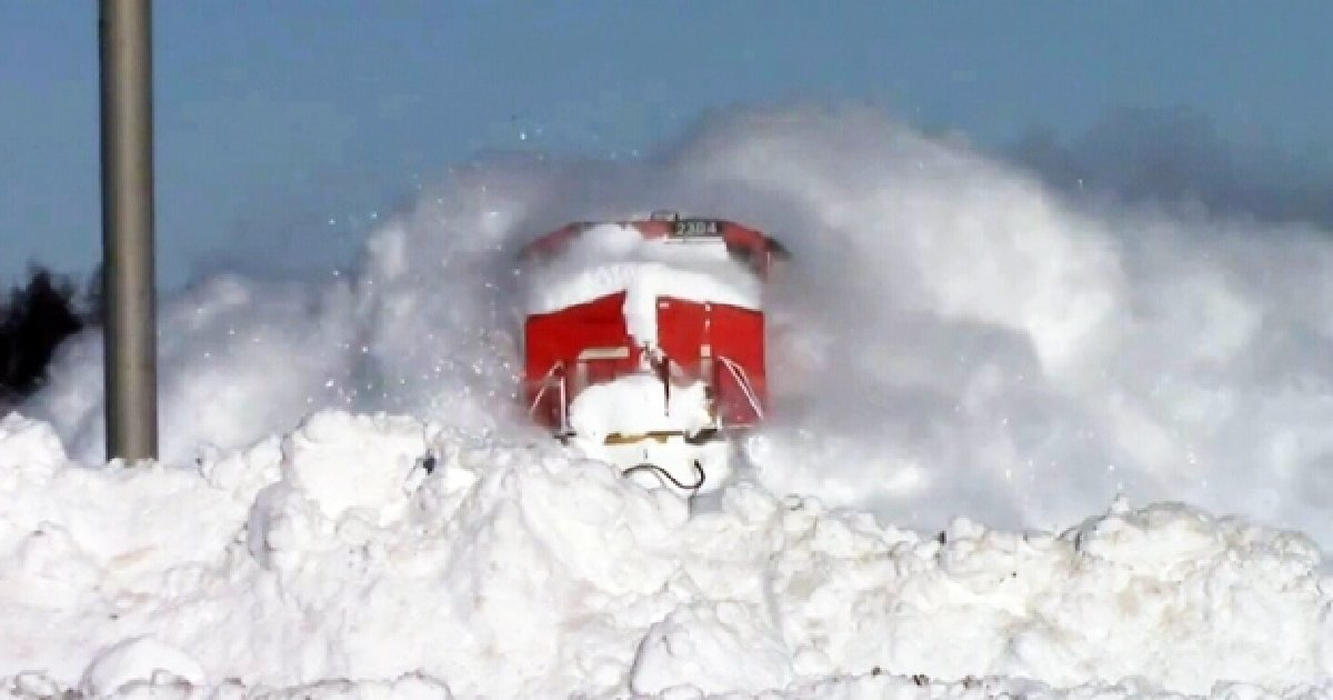 thumb nail train - Man Films Stunning Moment of A Train Colliding With A Wall Of Snow