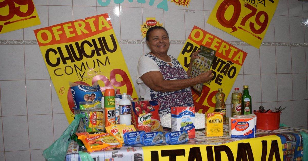 thumbnail5kr.png?resize=412,232 - Mãe, que é apaixonada por ir ao supermercado, ganha festa de aniversário com esse tema!
