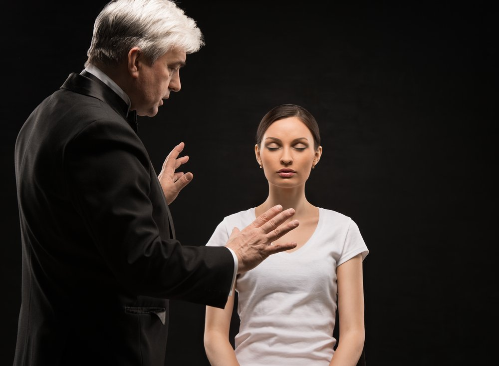 what kind of people are likely to be affected knowledge of hypnotism shutterstock 185754170 - どんな人がかかりやすいの?催眠術の知識