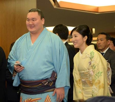 what kind of person is shikapens wife about marriage mrg15052905040003 p1.jpg?resize=300,169 - 白鵬の妻はどんな人?結婚に関するあれこれ