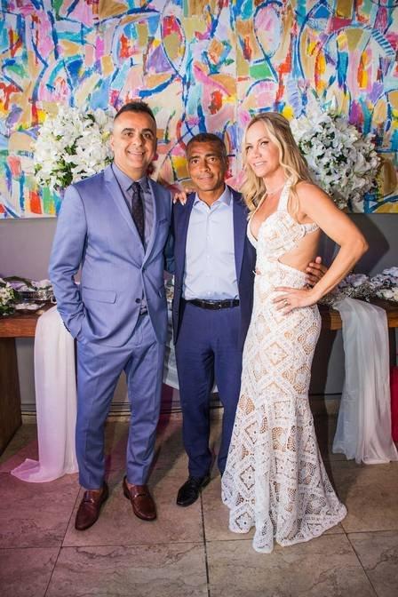 xromario-padrinhos-do-casamento-de-ana-lucia-e-marcelo-wagnerfoto-veronica-jpg-pagespeed-ic-a39o7yngkc