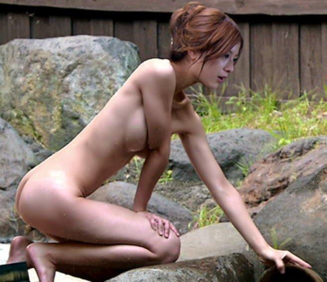 005 - 吉高由里子、役を勝ち取るため乳首をさらけ出した?!【蛇にピアス】