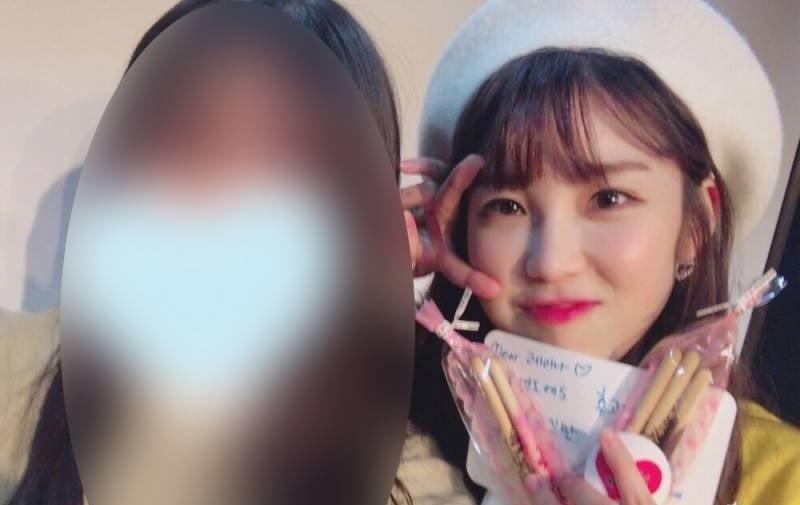 10 37 - 팬들을 위해 역대급 '역조공'한 여자 아이돌