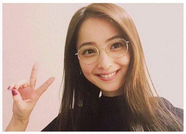 1178861 650.jpg?resize=300,169 - 佐々木希の意外なメガネ姿が可愛すぎると話題!