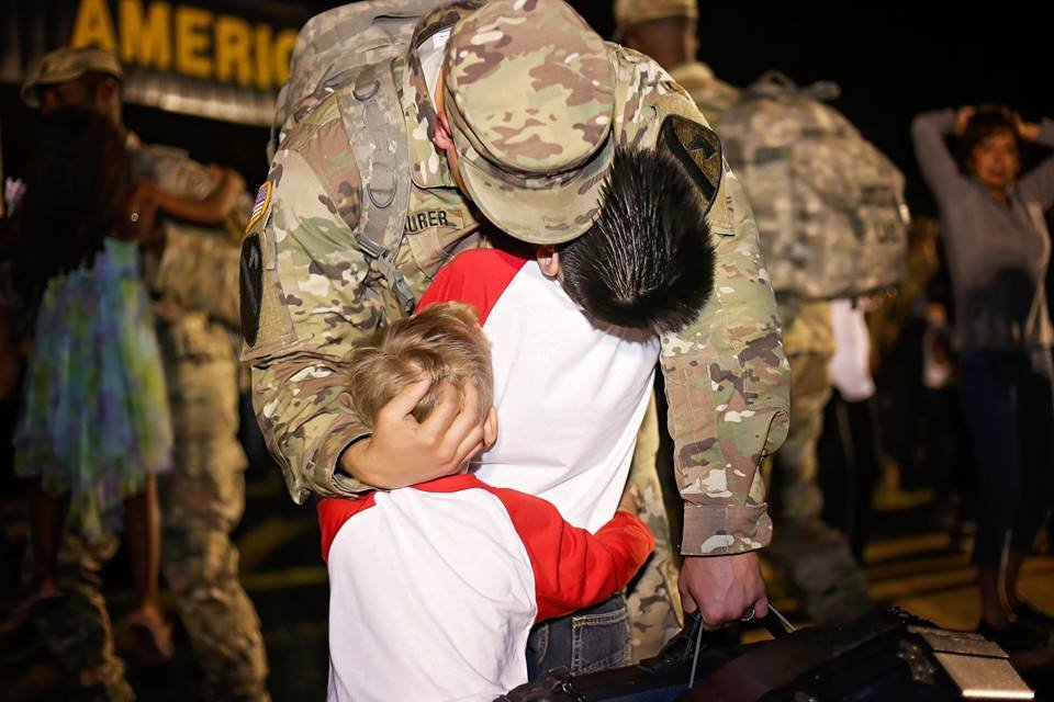 14642152 1457390520941708 6317759581882522212 n.jpg?resize=648,365 - Soldier Dad Hasn't Set His Eyes On 7-Year-Old Daughter For A Year