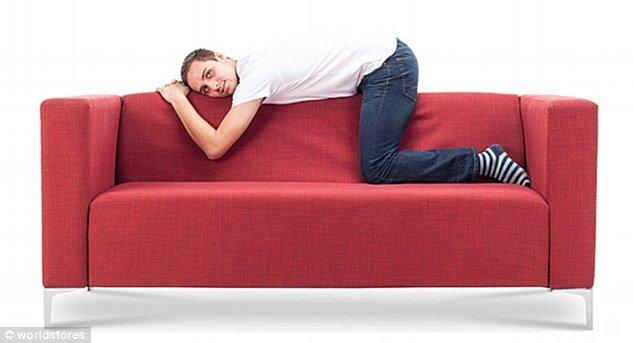 3075e2c200000578 3411613 image m 17 1453459427986 1.jpg?resize=300,169 - Você pode ver a personalidade de alguém pela sua posição ao se sentar no sofá