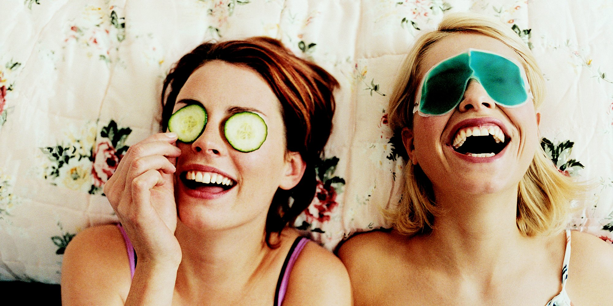 635832341330445071 1116502377 o friends laughing facebook - Passar um tempo com sua melhor amiga melhora sua saúde