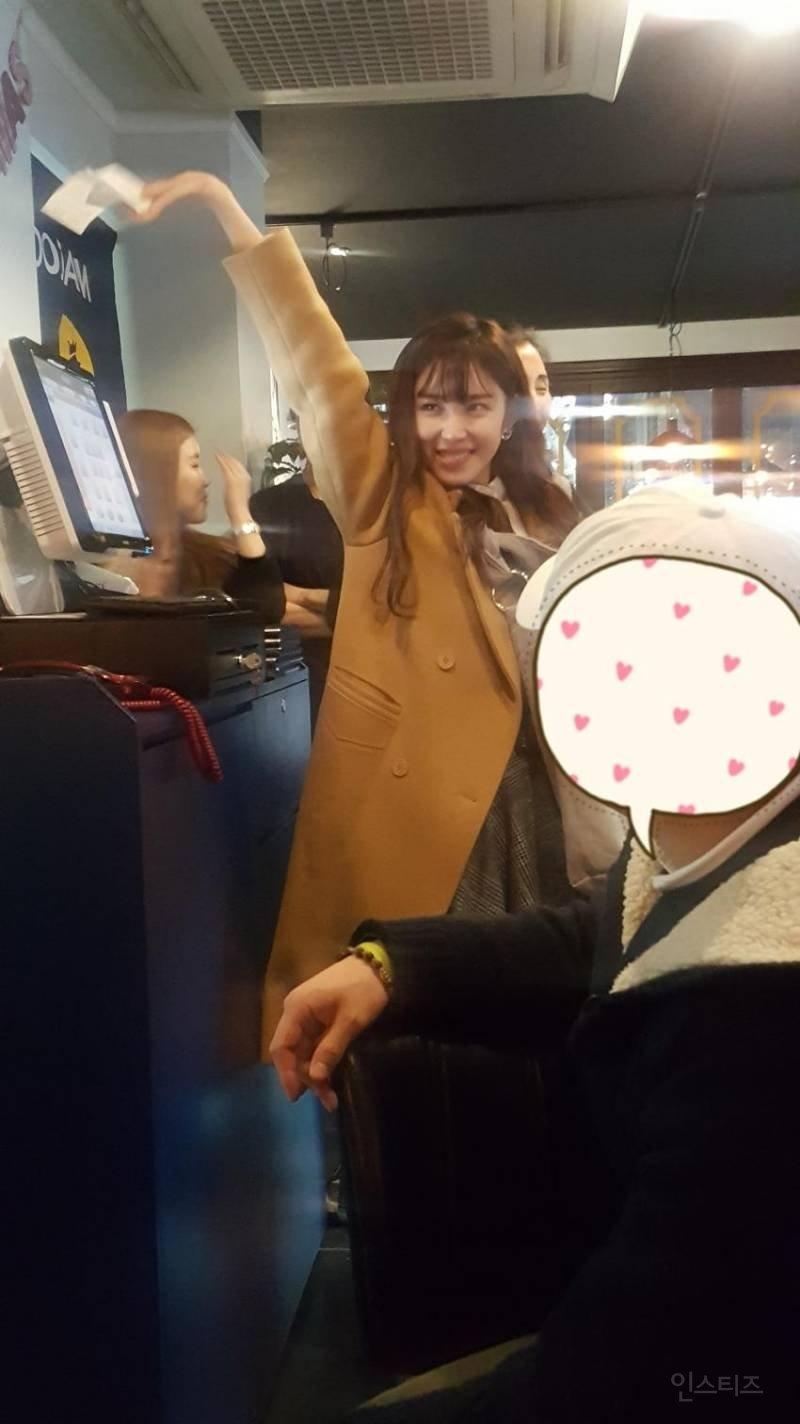 7 63 575x1024 - 팬들을 위해 역대급 '역조공'한 여자 아이돌