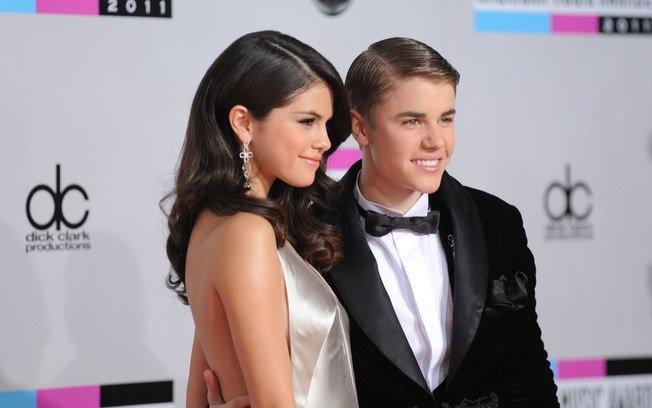 Justin Bieber e Selena Gomez já namoraram diversas vezes desde a adolescência