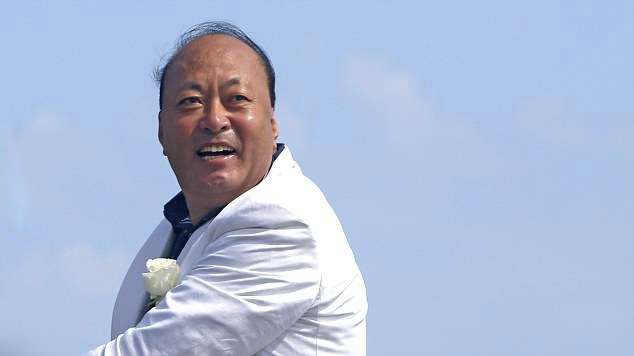 1 5 - Billionaire Boss Takes 6,400 Employees on a $40M Trip to France