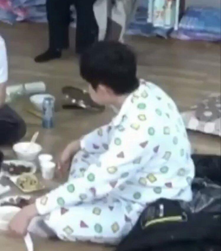 20180123121552 2 - 워너원 '김재환' 팬들이 그의 '45도 각도'만 찾는 이유(+6)