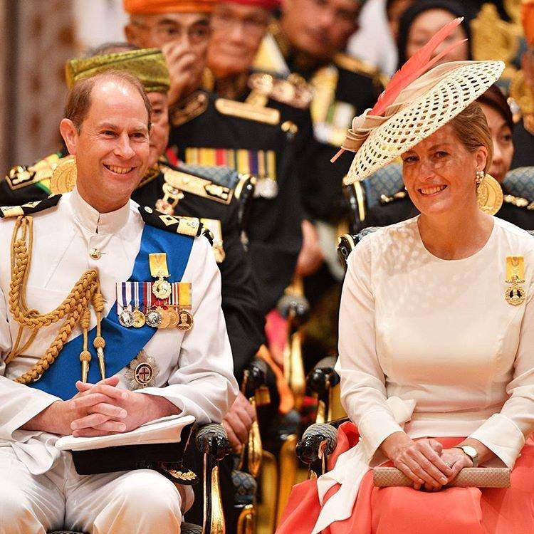 22280344 120260141986950 58591647499288576 n - 10 points qui prouvent que le mariage du prince Harry révolutionne la tradition royale!