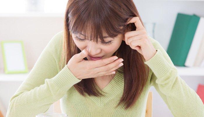 535891 morning - 목이 욱신욱신, 위가 찌릿찌릿! '위산 역류'를 의심해야 하는 9가지 증상