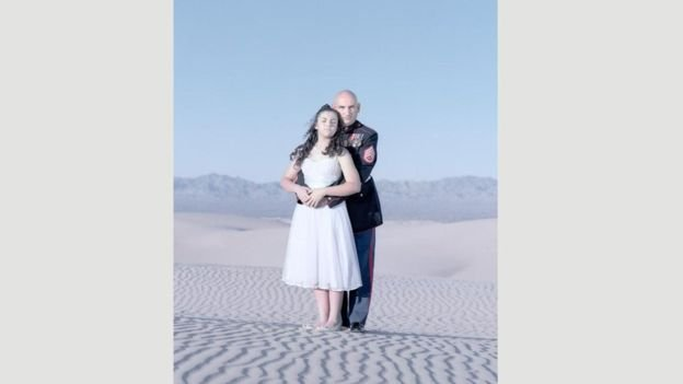 Miranda Heckert, de 13 anos, com o pai, Jody, no Arizona