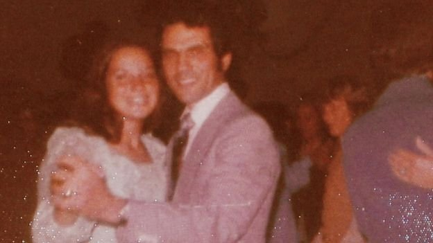 Margot e seu pai Theodor durante sua formação na oitava série, aos 14 anos