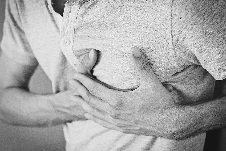 성인, 애정, 가슴, 가슴 통증, 코튼 셔츠, 손, 상 심, 인간의, 남자, 사람, 문제