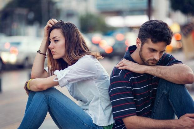 breakup1 - 8 Different Types Of Hugs And What They Reveal About Your Relationship