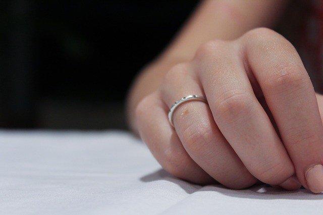 hand-1613399_640