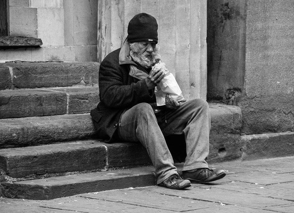 노숙자, 남자, 빈곤, 불 쌍 한, 사람, 거리, 사회, 남성, 불경기, 도움, 슬픔, 슬픈