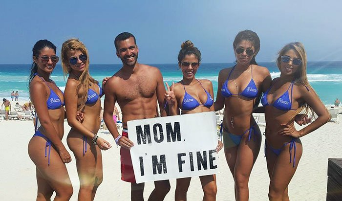 mom-im-fine-guy-travels-around-the-world-jonathan-quinonez-21