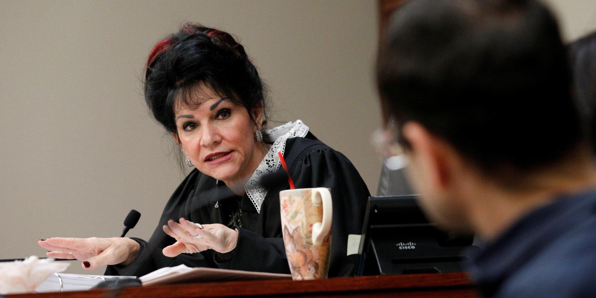 래리 나사르 판사에 대한 이미지 검색결과