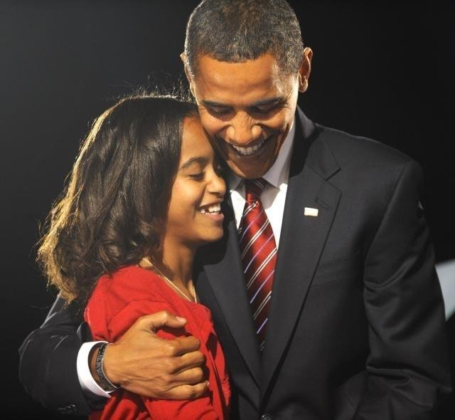 obamasidehug - 8 Different Types Of Hugs And What They Reveal About Your Relationship