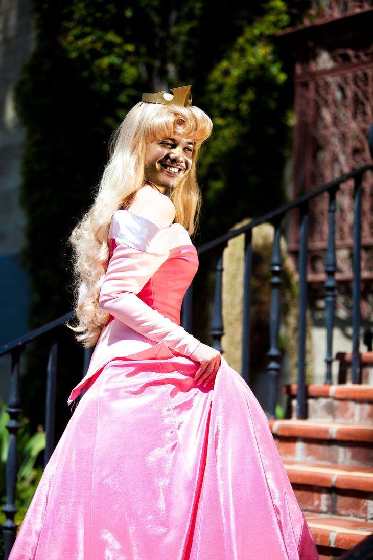 Você acordaria essa princesa com um beijo????
