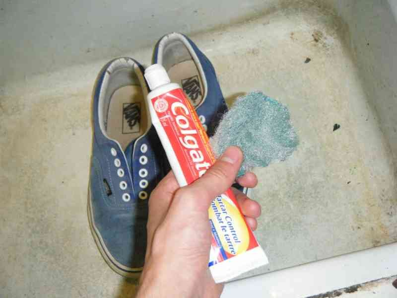 toothpaste15 - 15+ Surprising Uses For Toothpaste That Don't Involve Your Mouth