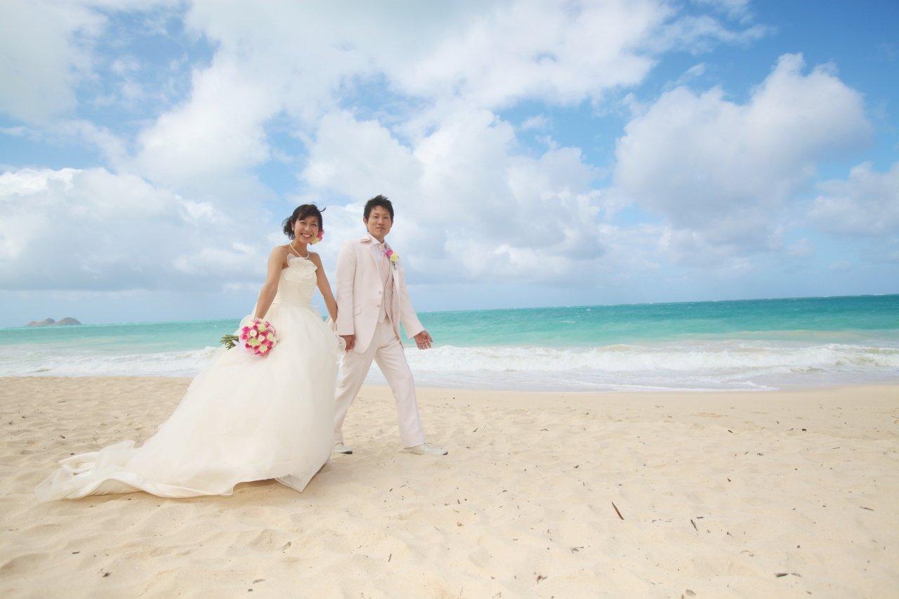 Image result for ハワイで結婚式