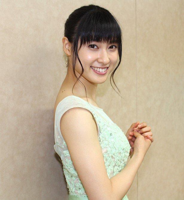 actress tsuchiyataiho improves tongue moviewalker 117839 0 - すごすぎる女優根性!土屋太鳳は滑舌をよくするために舌の一部を切った!?
