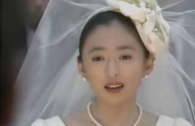 c585f8a1 c02d 4772 b556 09294c40fa19 - 強烈!松雪泰子のゴールデン初主演は「白鳥麗子でございます!」だった!