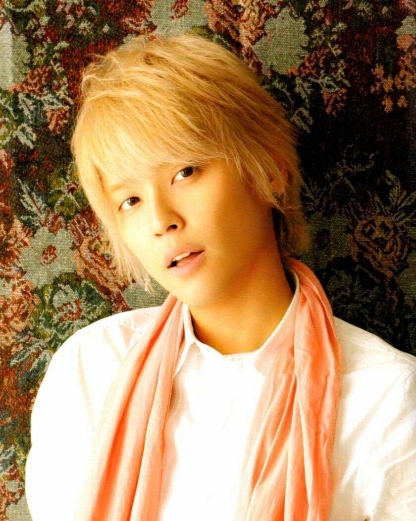 charaman news yuyategoshi 19995 original - 事務所公認チャラ男?NEWS「手越祐也」がファンの前で号泣!理由は?